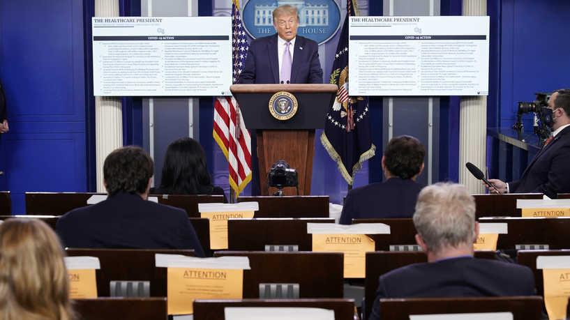 ترامب يدرس اتخاذ إجراءات تنفيذية لتقديم إعانات للعاطلين عن العمل