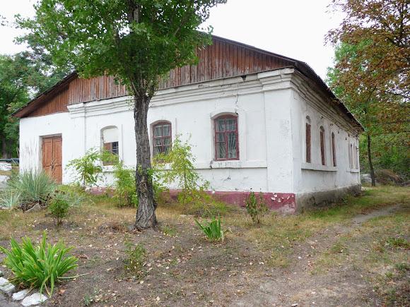 Донецьк. Вул. Пухова. Церковно-парафіяльна школа