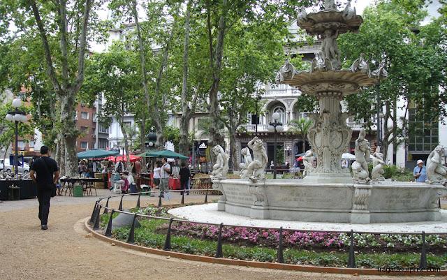 Montevidéu: Plaza Constituición