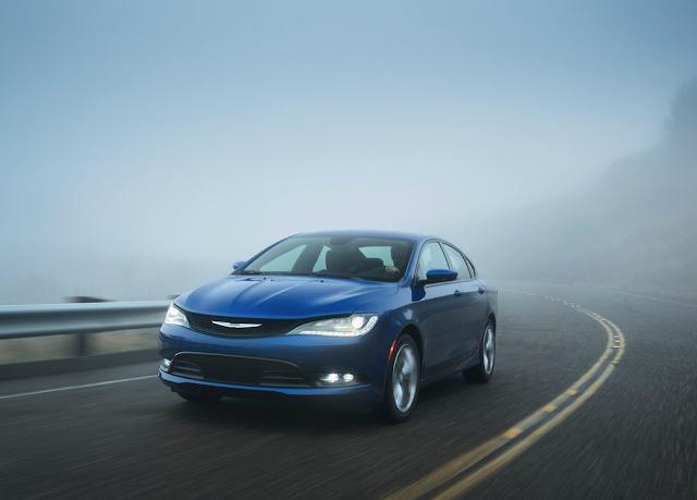 2015 Chrysler 200 blue