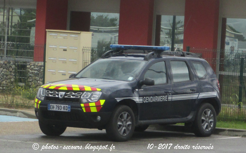 photos secours france motors dacia duster gendarmerie. Black Bedroom Furniture Sets. Home Design Ideas