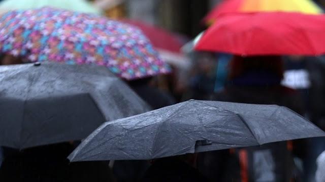 Πρόσκαιρη πτώση της θερμοκρασίας με απογευματινές βροχές στα κεντρικά και τα νότια