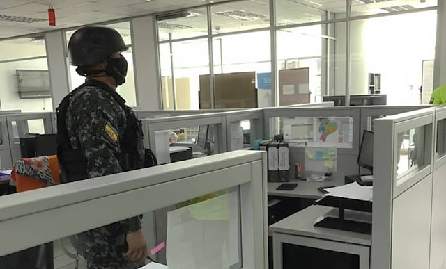 Allanan Ministerio Salud de por vacunación irregular en Ecuador
