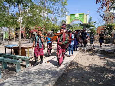 Arak Patung Bunda Maria, TNI di Perbatasan Tidak Lupakan Kegiatan Adat dan Keagamaan
