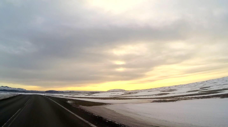 Wynajem samochodu i drogi na Islandii