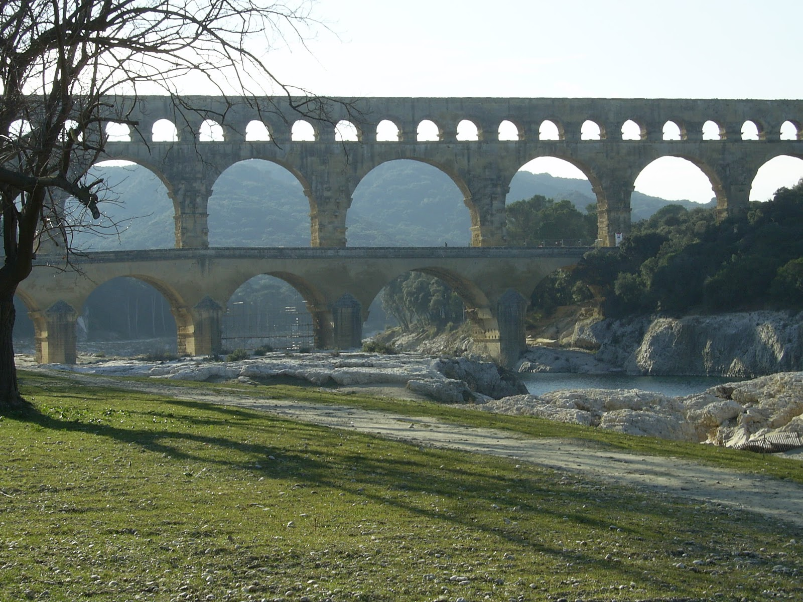 Thinking with my hands arch chronology for Pont du gard architecte