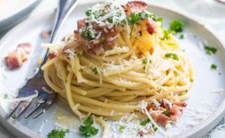 Pasta Carbonara khas italia