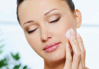 moisturizers भारत में उपलब्ध 10 बेस्ट मॉइस्चराइजर