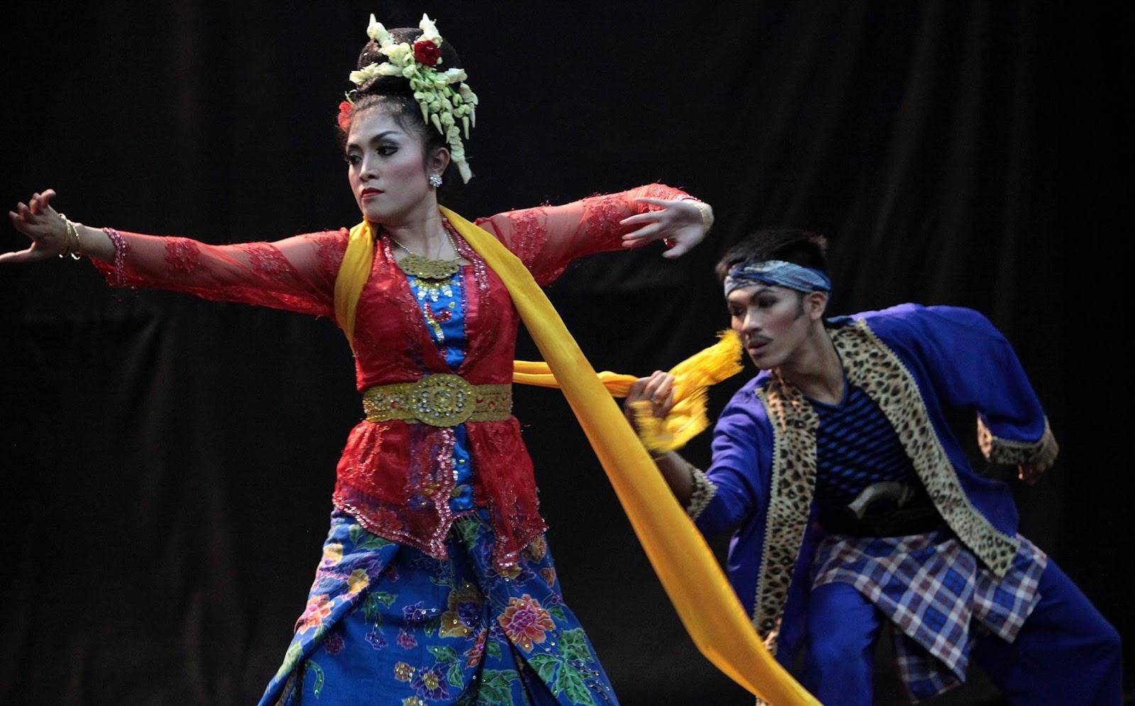 Tari Jaipong dari Jawa Barat Tradisi Tradisional