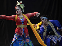 Tari Jaipong dari Jawa Barat