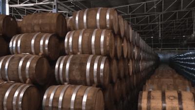 Envelhecimento da tequila em barris de carvalho