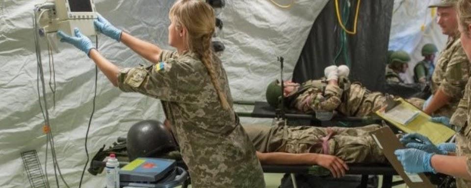 Військові медики
