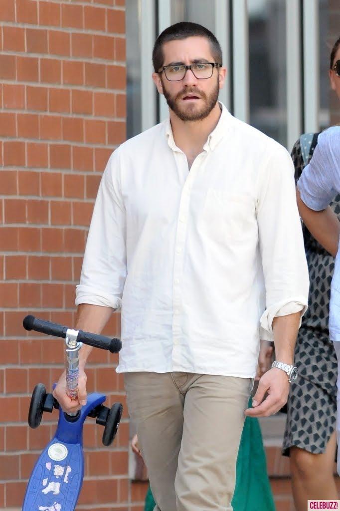 Jake Making Out: GyllenBabble: Do Glasses Make The Man?