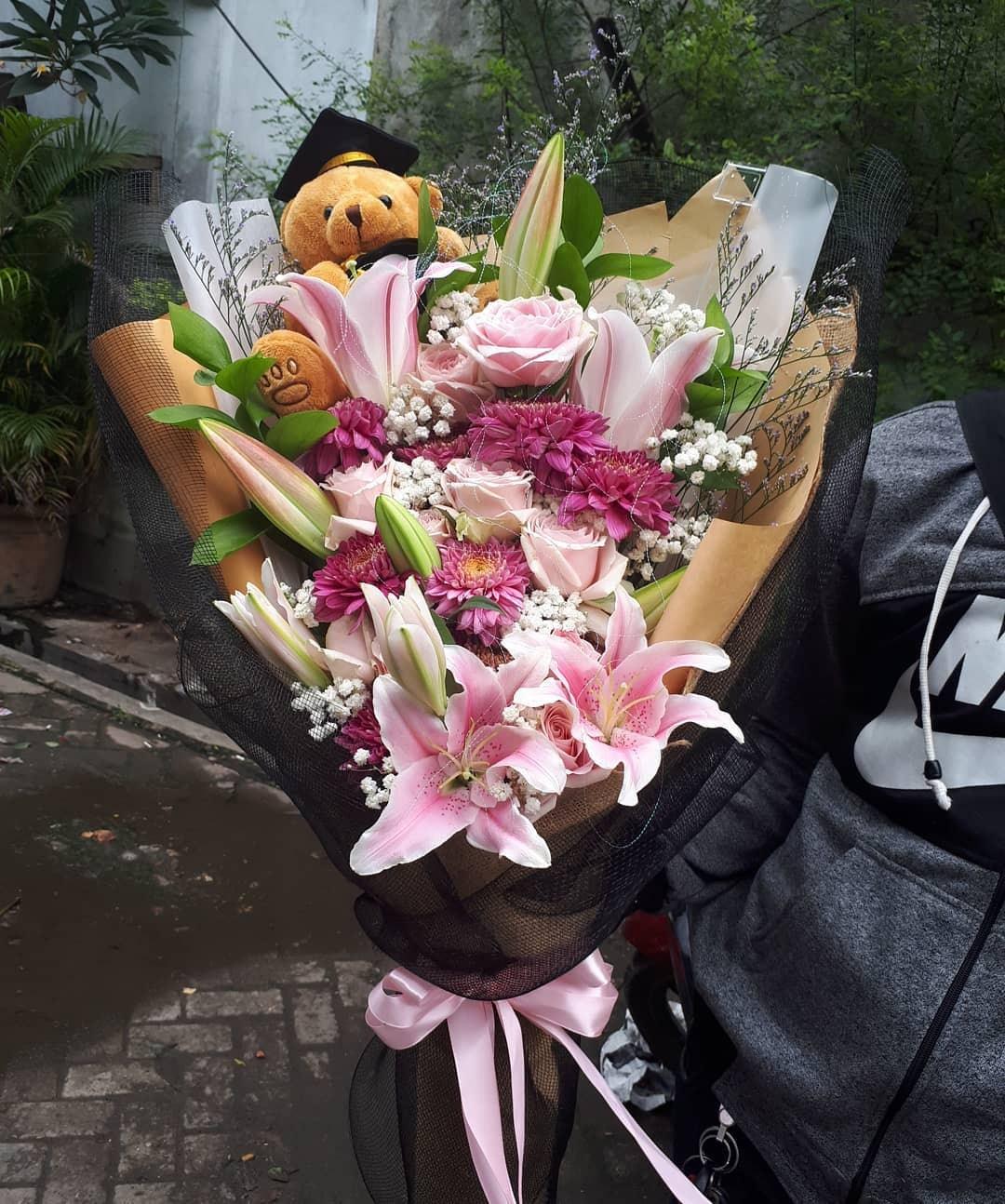 Karangan Bunga Tangan Hand Bouquet 035