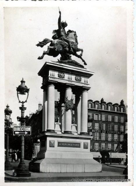 Photo ancienne de Clermont-Ferrand monument Vercingétorix