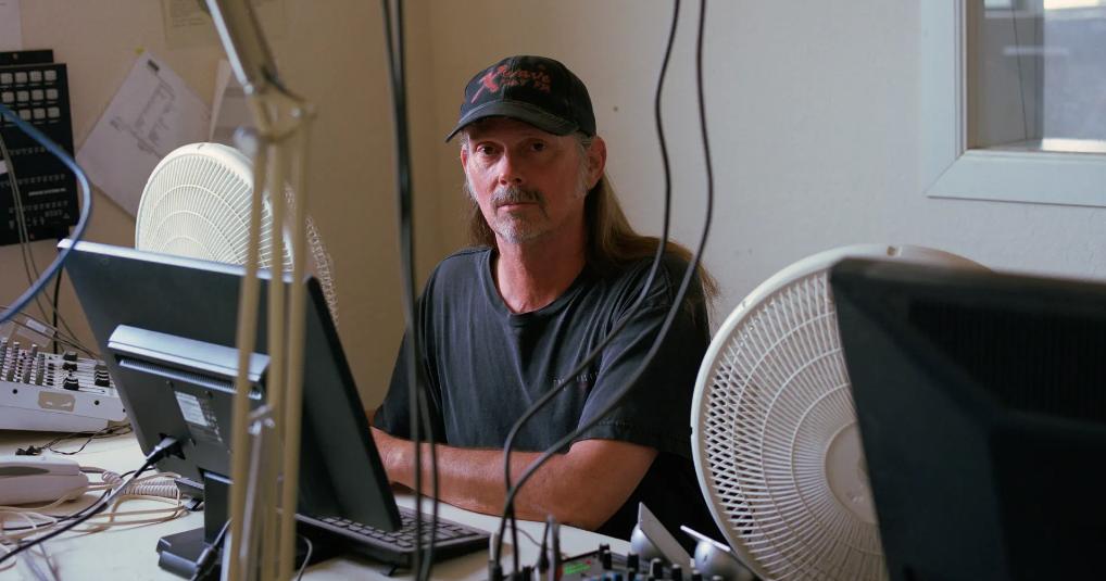 The Rural Blog: Independent rural radio stations struggle