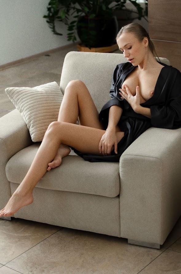 [Sex-Art] Antonia Sainz, Aislin - Loving Touch re