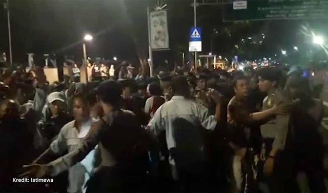 36 Pendemo yang Hadang Mobil Jokowi Masih Ditahan Polisi