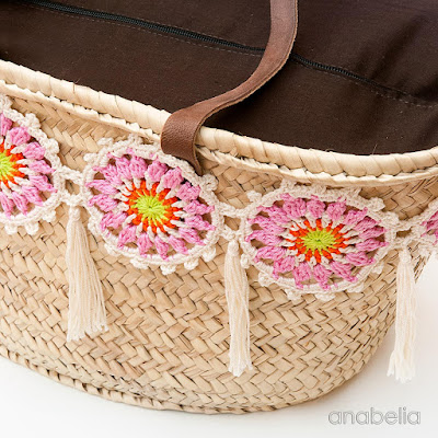 Customized summer bag with crochet motifs, free pattern by Anabelia Craft Design