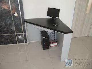 Furniture Untuk Universitas Meja Front Desk Sekaligus Etalase Display + Furniture Semarang