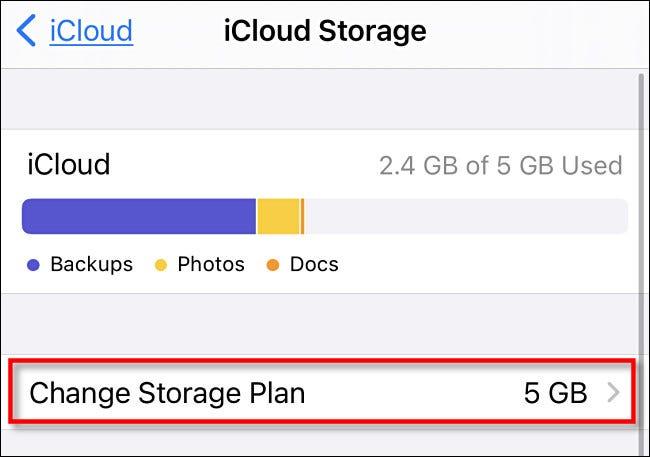 """في iCloud Storage ، انقر على """"تغيير خطة التخزين""""."""