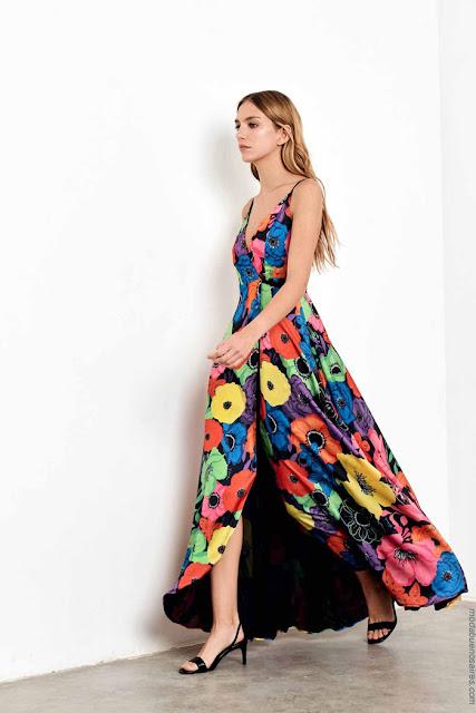 Moda primavera verano 2020 vestidos largos cruzados.