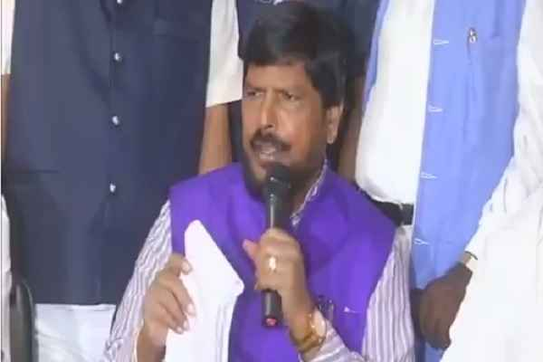 union-minister-ramdas-athawale-statement-on-reservtion-in-hindi