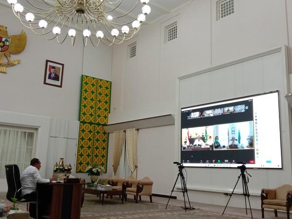 Edy Minta Pertama Divaksin: Kalau Gubernur Meninggal, Bupati-Walkot Tak Usah