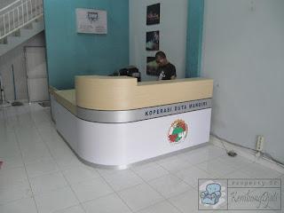 Meja Customer Service Model Lengkung Furniture Semarang