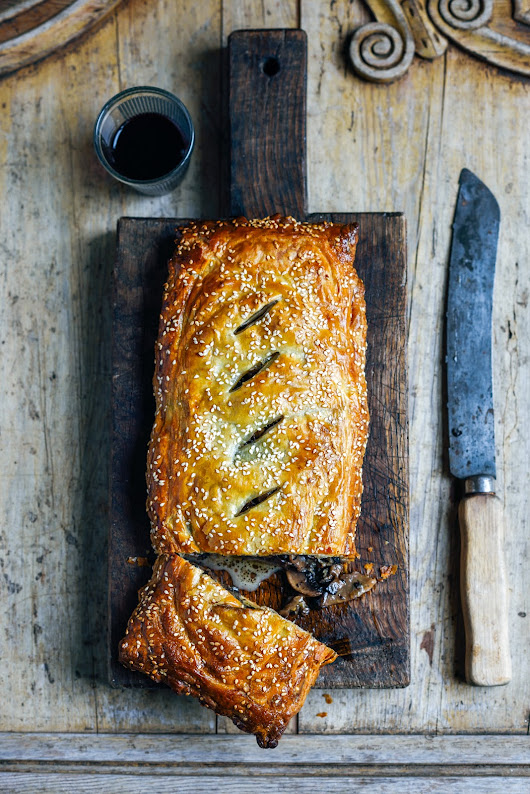 Mushrooms in pastry (en croute)