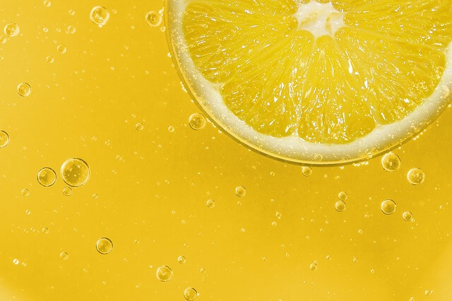 How To Whiten Your Teeth Naturally And Instantly, How To Whiten Your Teeth With Lemon