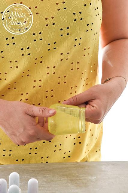Muster und Struktur mit dem Finger oder Pinsel erzeugen.