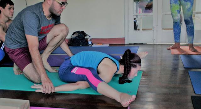 Este curso está dirigido a Instructores que hayan culminado su formación de 200 Hrs y deseen profundizar en la maravillosa filosofía del yoga, adquiriendo herramientas que le permitan ayudar a sus estudiantes de forma integral y creativa.