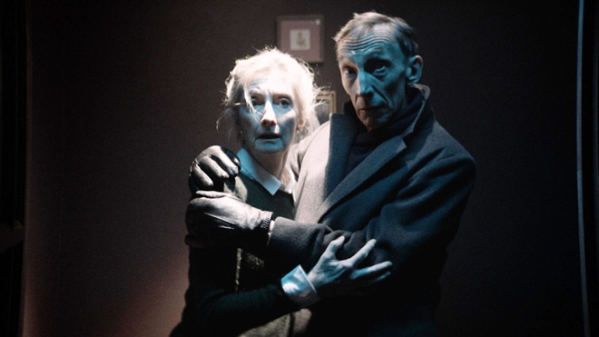 Sheila McCarthy y Julian Richings
