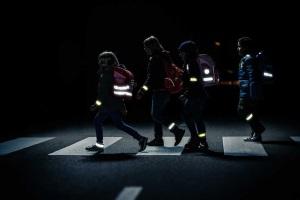 Светоотражатели на одежду в темноте
