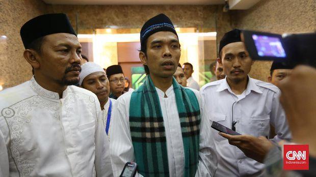 Sudah Enjoy Berdakwah, Jangan Seret-seret Abdul Somad Ke Politik
