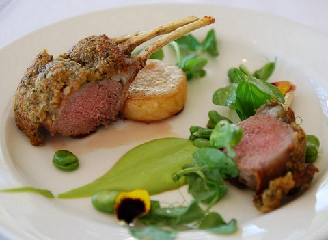 Delicious lamb rack with pea puree