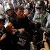 Χονγκ Κονγκ: Σε χρήση δακρυγόνων προχώρησε σήμερα η αστυνομία, για να διαλύσει την συγκέντρωση