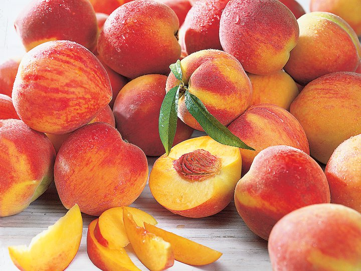 The Earth of India: All About Peach and Nectarine in India