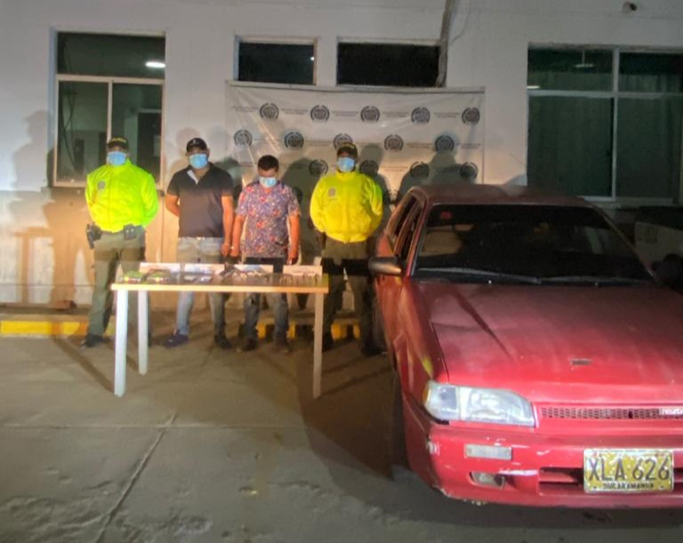 hoyennoticia.com, Dos capturados en Hatonuevo con dos libras de marihuana y un arma de fuego