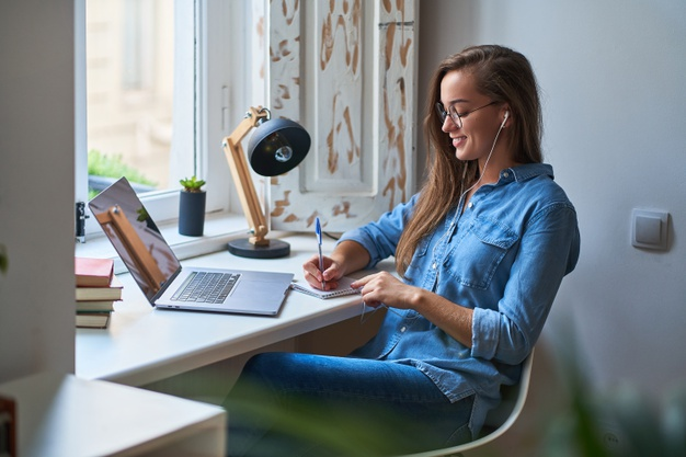 5 Stay At Home Side Hustles You Can Do Now
