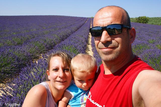 Noi tre di ViaggiamoHg a Valensole