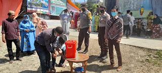 Personel Polsek Anggeraja Bersama Tim Satgas Covid-19 Kontrol Tempat Hajatan Warga di Loko Jarun