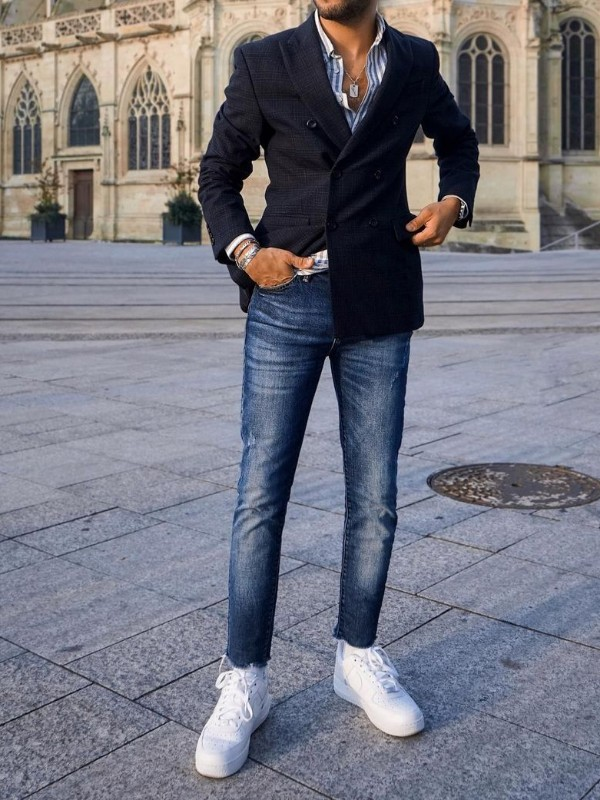 Blazer with jeans and sneakers outfit, men.