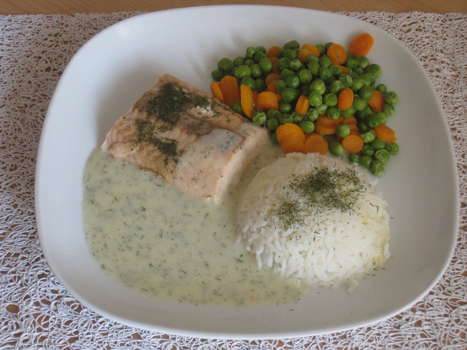 lachs filet in dill rahm sauce silvia 39 s rezepte mit dem thermomix. Black Bedroom Furniture Sets. Home Design Ideas