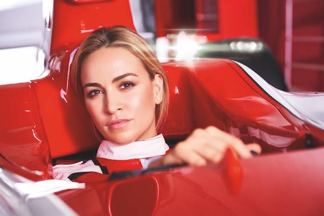 ලෝකේ ලස්සනම Race Car පදින කාන්තාවෝ!