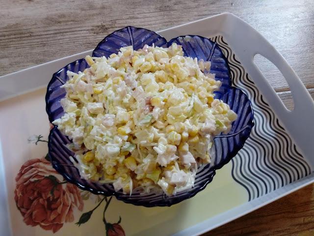 Salatka krolewska salatka z selerem konserwowym salatka z ananasem salatka z wedzonym kurczakiem salatka na slodko salatka na impreze salatka na komunie