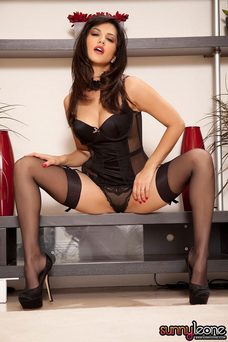 Sunny Leone Xxx Naked Image