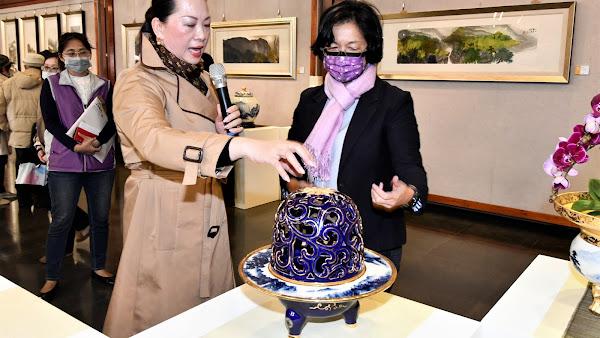 卓麗秋心月造境 山水青花瓷展在彰化藝術館