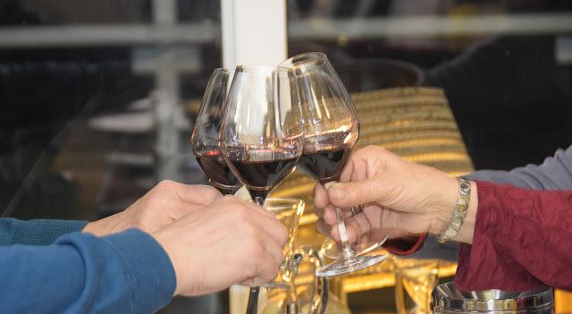 Peter Hilgard beim Wein Winter auf Langeoog